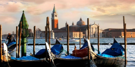 Venice Morning Walking Tour with Gondola Ride - small group tour