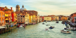 Semi-Private Best of Venice Boat Tour on Grand Canal by Water Taxi and Visit to St. Mark's Basilica