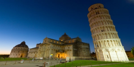Explore Pisa, Lucca and Viareggio Beach - private day tour from Florence
