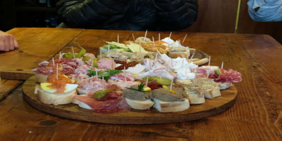 Cicchetti and Wine (Venice's Appetizer & Wine Tour) - private tour