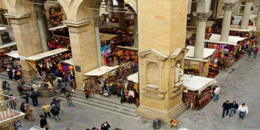 Visit Florence's Favorite Market Places and Enjoy Cheese and Wine Tasting