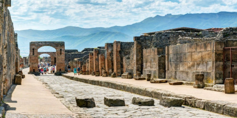 From Naples - Pompeii and Vesuvius Tour with Lunch and Wine Tasting – small group tour