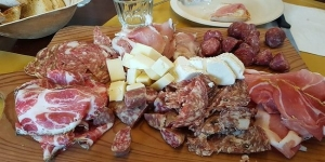 Siena Foodie Tour with Charcuterie Lunch at Salumeria – private tour with one hour visit to the Siena Cathedral