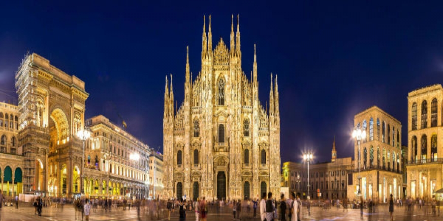 Best of Milan by Night with Rooftop Aperitivo & Appetizers - small group tour