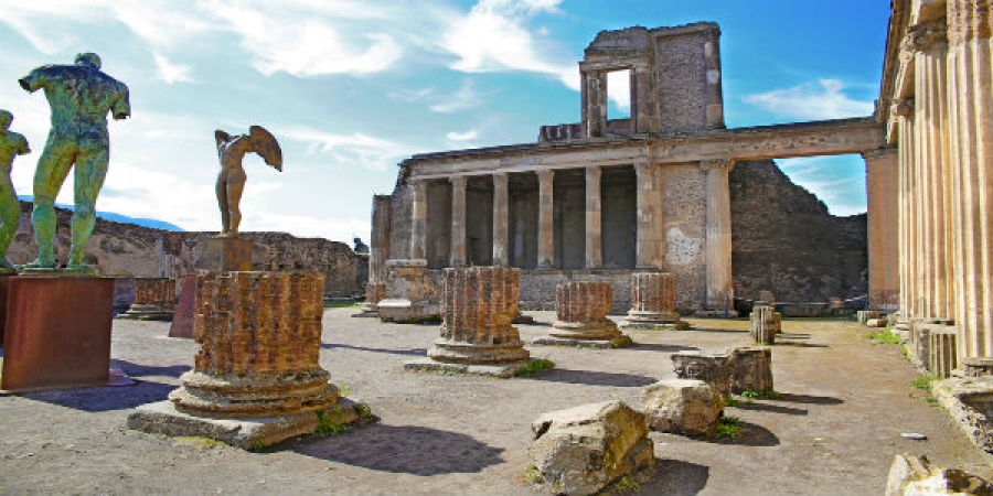 From Sorrento – Visit Ruins of Pompeii with Lunch and Winetasting- private tour