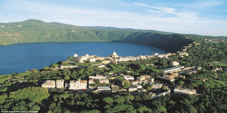 Exclusive Pope's Summer Residence at Castel Gandolfo Tour with Lunch - small group tour