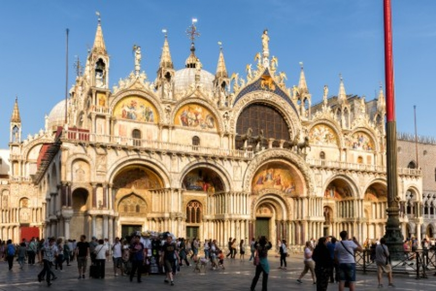 Best of Venice Walking Tour with St. Mark's Basilica and Gondola Ride - small group tour
